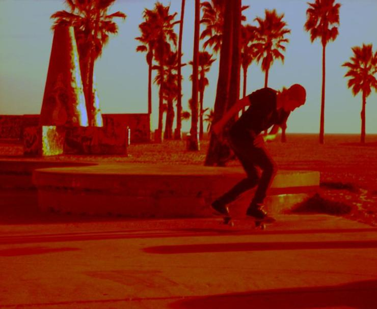 skateboarder_red-833x6842